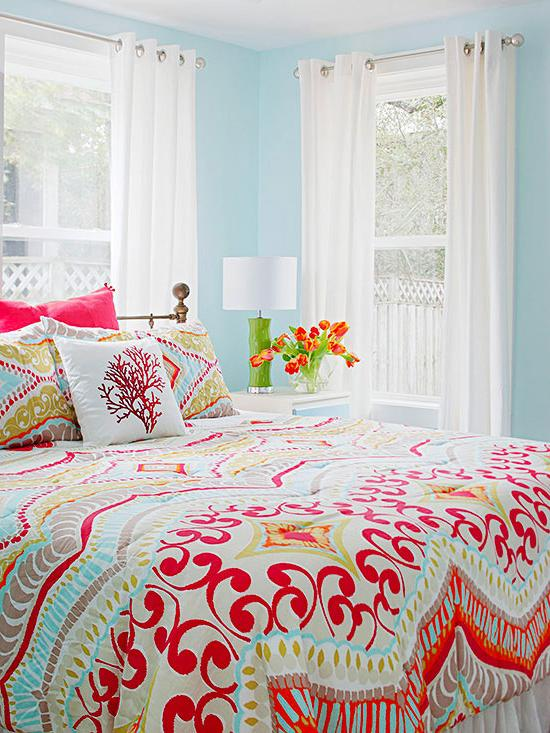 a colorful bedroom Real Life Colorful Bedrooms   Better Homes and Gardens   BHG.com 733 X 550
