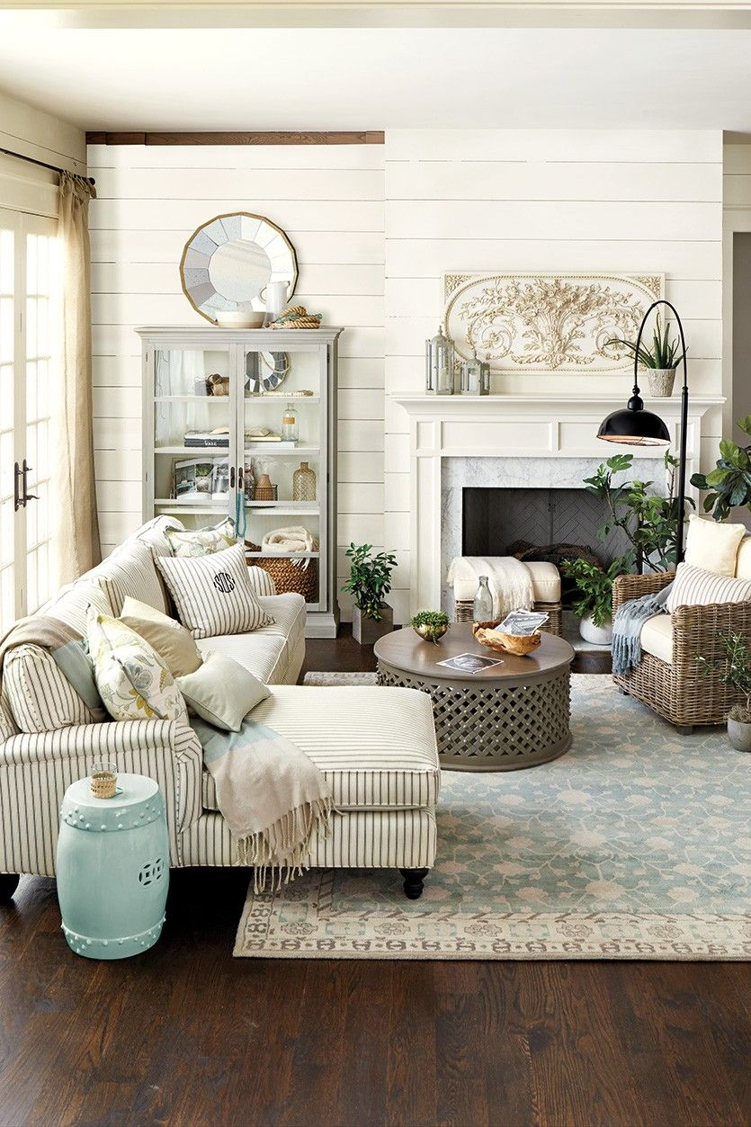a living room in french Trending: Fretwork | French country living room, Country living  1253 X 835