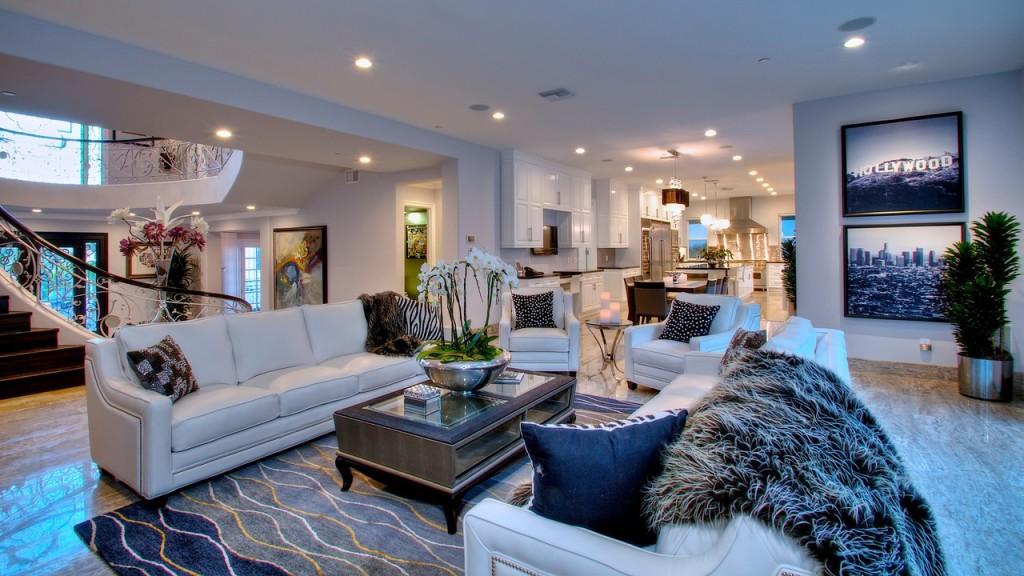 jlo living room Jennifer Lopez's Remodeled Hidden Hills House For Sale 472 X 600