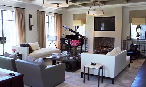 kourtney k living room Celebrity Home: Peek Inside Kourtney Kardashian Living Room | Cozy  372 X 620